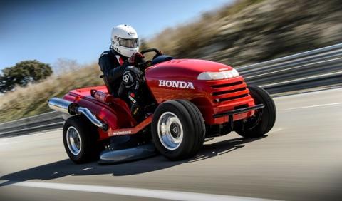 Honda Mean Mower: ¡el cortacésped más rápido del mundo! 1