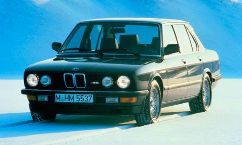 BMW M5 e28 delantera