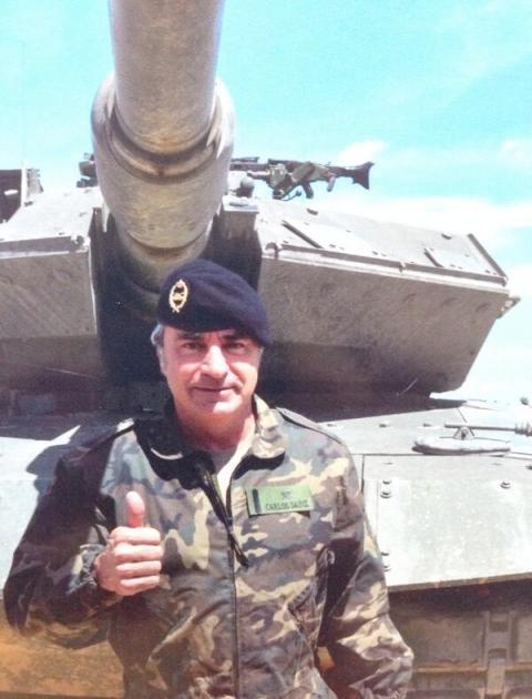 Carlos Sainz prueba carro combate tanque Ejército