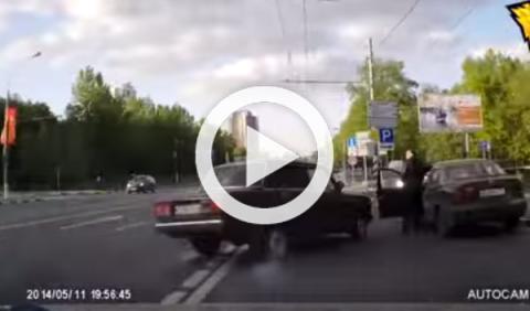 Vídeo: peligroso pique entre conductores rusos
