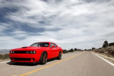 Frontal del Dodge Challenger SRT 2015