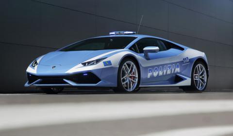 A la Polizia le han cambiado los Gallardos por este Lamborghini Huracán LP 610-4