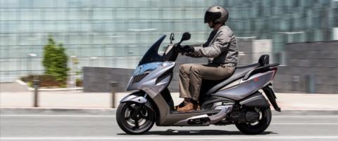 Acción: movilidad inteligente, por Auto Bild y KYMCO