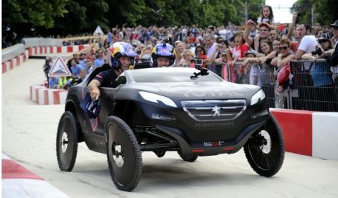 Peterhansel será compañero de Sainz en el Dakar con Peugeot