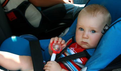 Ocho claves para viajar con niños en coche