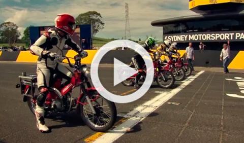 Carrera con motos de correos en el Top Gear Festival Sidney