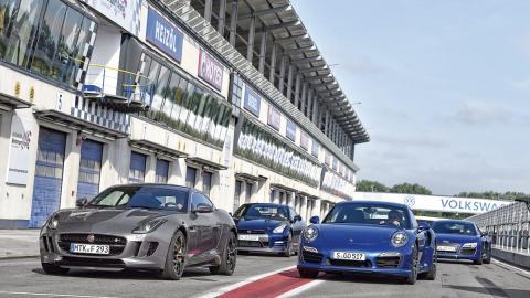 Audi R8-Porsche 911-Jaguar FType-Nissan GTR
