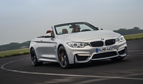 BMW M4 en curva