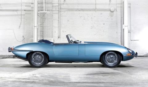Devuelven a su dueño un Jaguar robado hace 46 años