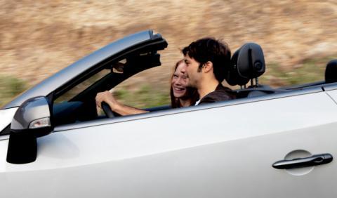 Según el 22% de mujeres, el hombre ideal conduce un cabrio
