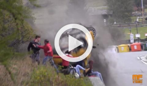 Brutal accidente de un Clio que casi acaba en tragedia