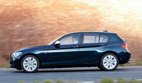 BMW 116d EfficientDynamics lateral