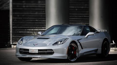 Corvette Stingray Abbes tres cuartos frontal