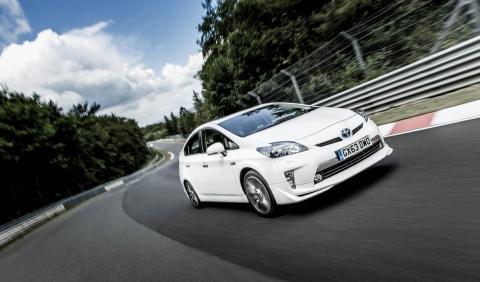Toyota Prius PHEV pista nurburgring