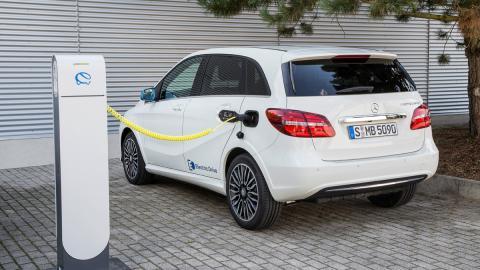Mercedes B Electrico carga