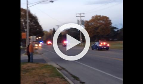 Persecución: 12 coches de policía vs. un hombre en scooter