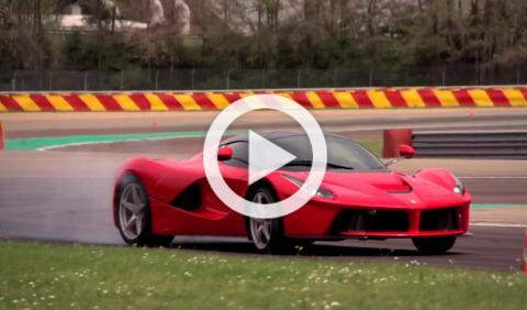 Vídeo: Chris Harris prueba el Ferrari LaFerrari