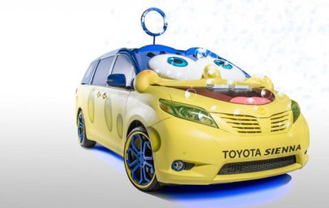El coche de Bob Esponja, un Toyota Sienna