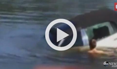 Vídeo: salva a un anciano de morir ahogado en su coche
