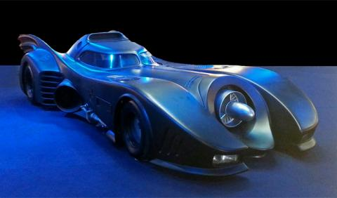 Crean una réplica de Batmóvil basada en el Mercedes Clase S
