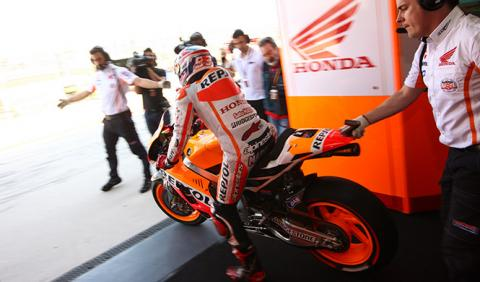 Libres 1 MotoGP Valencia 2014: Márquez toma la delantera