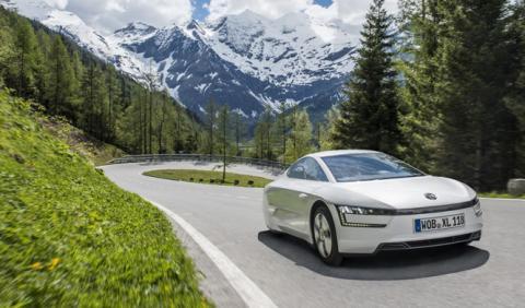 El VW XL1 escala Los Alpes