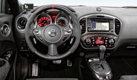 Nissan-Juke-Nismo-RS-salpicadero-en-baja