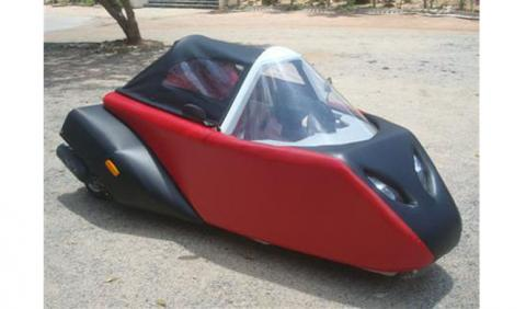 Spira4u, el triciclo de espuma que acelera hasta 100 km/h