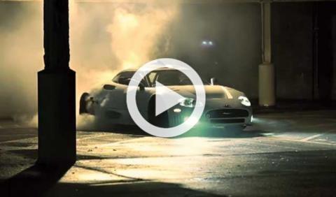 Vídeo: quema rueda a lo bestia con un Spyker C8