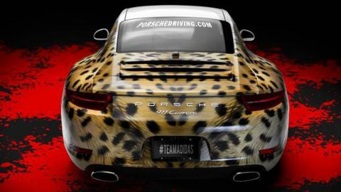 Adidas personaliza un Porsche 911