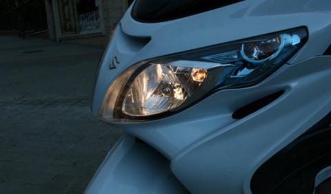 Suzuki-Burgman-400-luces