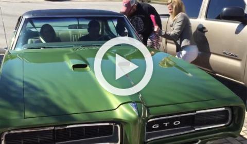 Vídeo: lágrimas por un Pontiac GTO