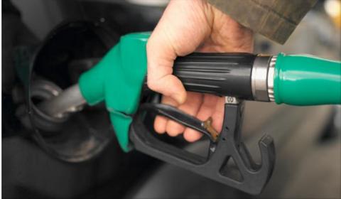 La gasolina sube y cuesta un 5% más que a principio de 2015