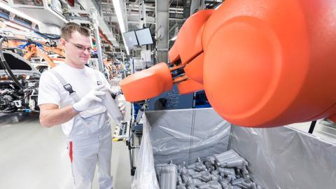 Robot fábrica Audi