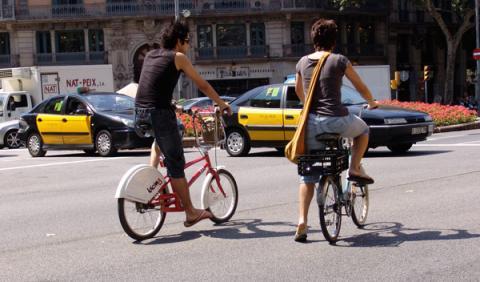 Un ciclista graba a 49 conductores y les denuncia