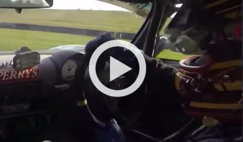 Vídeo: rompe la suspensión en plena curva y a 180 km/h