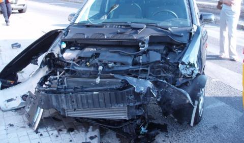 ¿Quién paga si tienes un golpe con un coche de sustitución?
