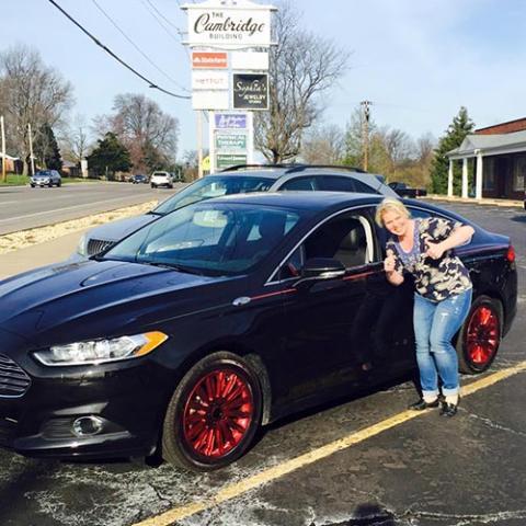 Becky Schoenig recupera feliz su coche robado