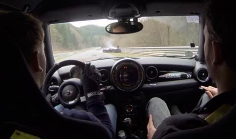 ¡Gafados! Accidente de dos Ferrari 458 Speciale