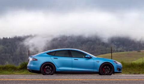 Vídeo: Tesla Model S P85D 'Frozen Blue', ¡helador!