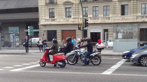 Así conducimos los motoristas en Madrid