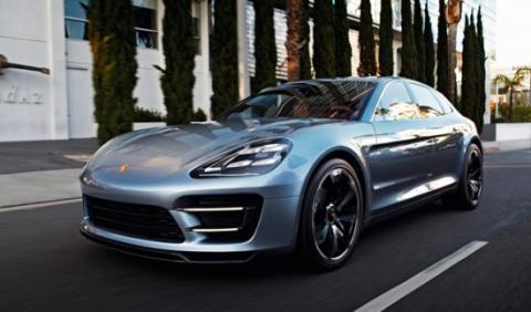 Porsche prepara un ataque a tres bandas