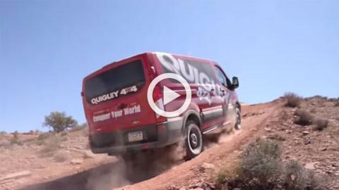 Una Ford Transit que pone en apuros a los Wrangler en Moab