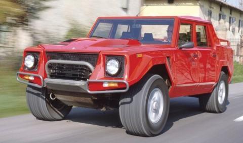 El primer intento (fallido) de Lamborghini con un SUV