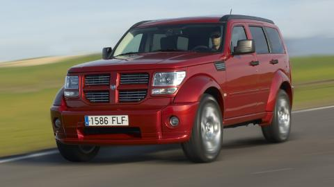 peroes-coches-consumer-reports-dodge-nitro