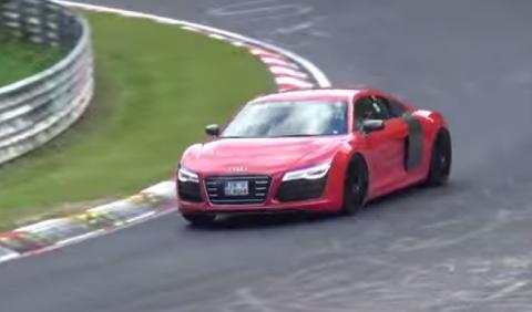 Vídeo: prototipo del Audi R8 e-tron, a fondo en Nürburgring