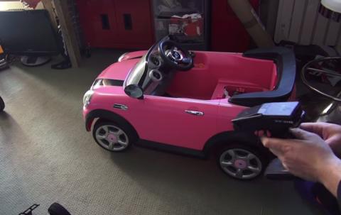 Vídeo: aumenta la potencia de un Mini Cooper de juguete