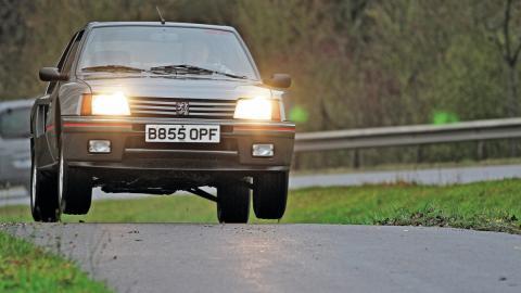 Peugeot 205 Turbo 16 en fotos