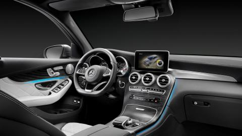 mercedes glc interior 2
