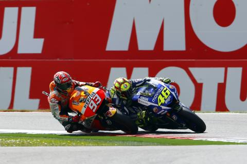 ¿Fue legal la victoria de Rossi frente a Márquez en Assen?